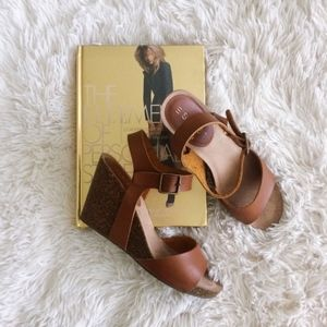 ESPRIT brown faux leather cork wedge sandals